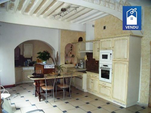 Maison ancienne vente maison villa le grand lemps Cuisine equipee ancienne