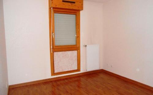 appartement : chambre2 avec placards