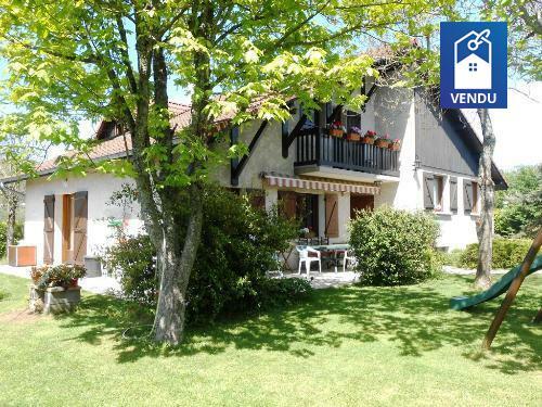 maison annee 80 vente maison villa le grand lemps. Black Bedroom Furniture Sets. Home Design Ideas