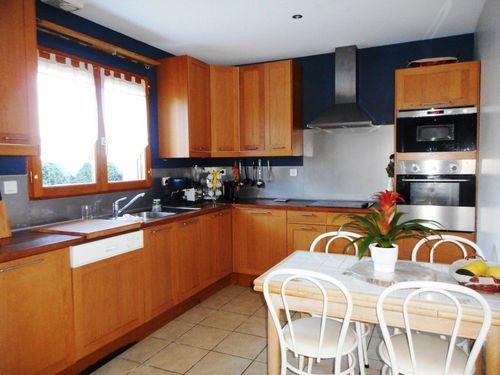 Villa de plain pied vente maison villa le grand lemps for Grande cuisine equipee