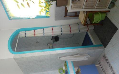 Villa en demi niveau : espace douche