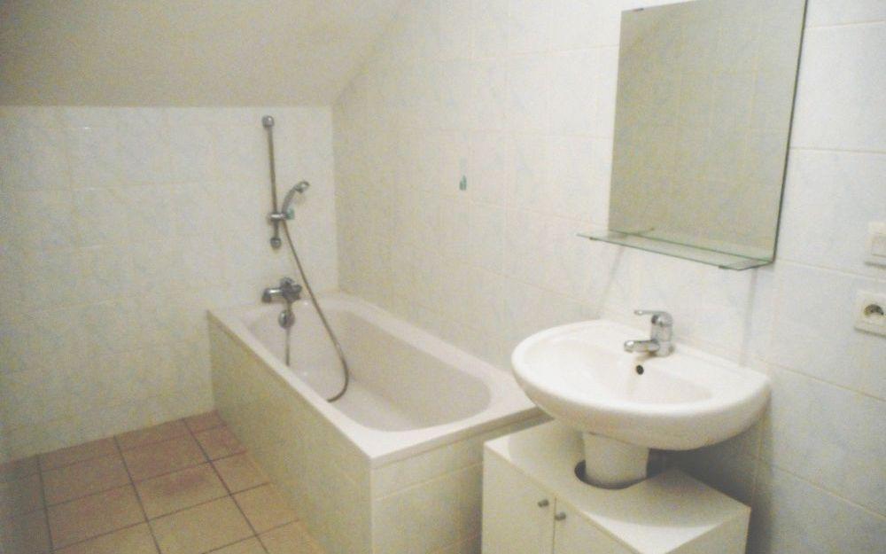 Appartement T2 : salle de bain étage