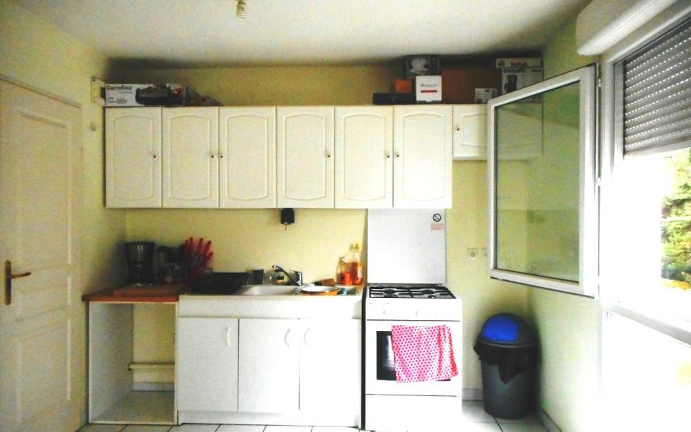 Appartement 1er étage : Cuisine meublée