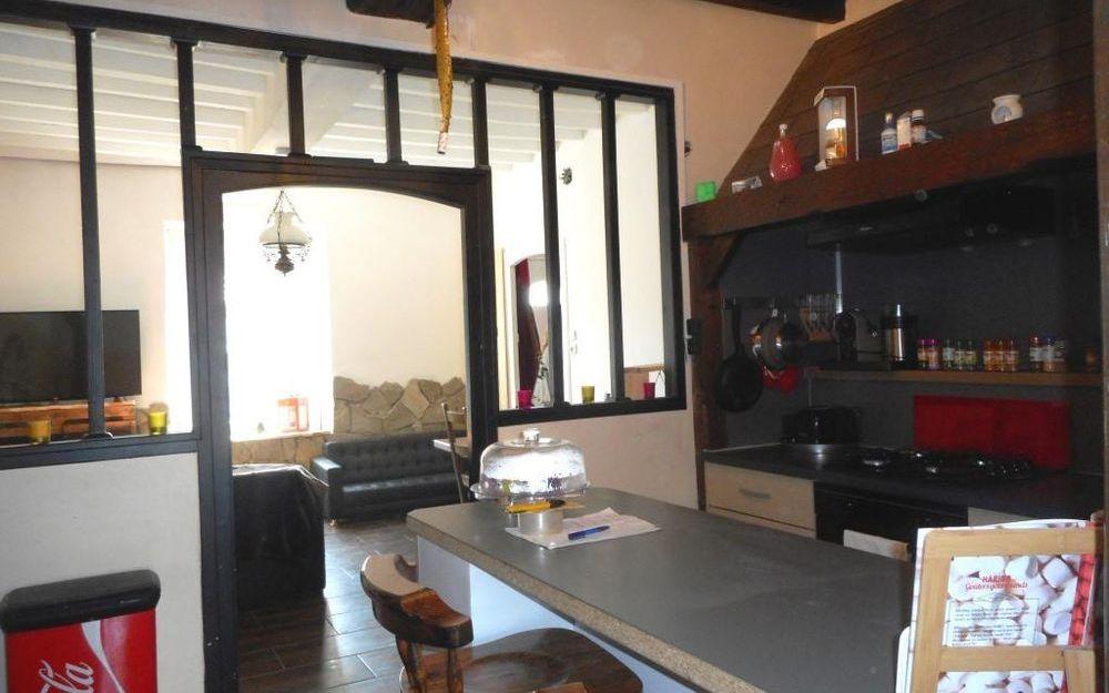 Maison : Cuisine ouverte sur séjour salon