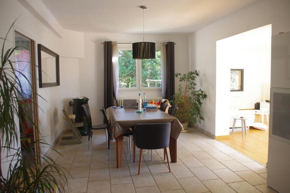 Belle maison location maison villa colombe agence for Lacroix jardins 78