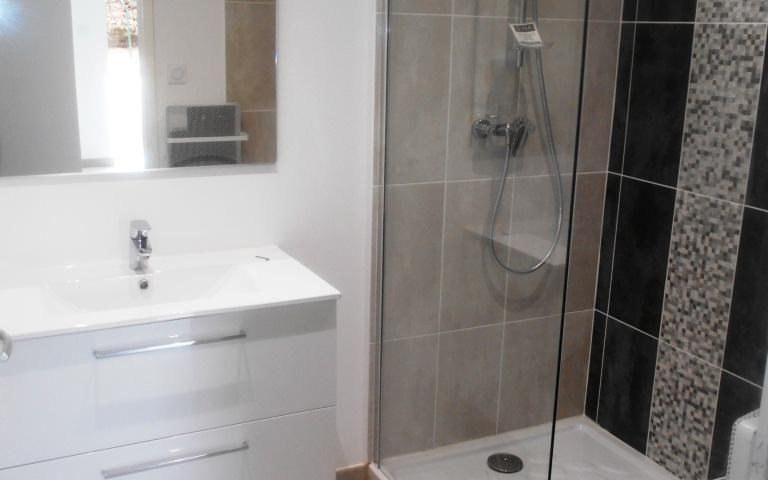 APPARTEMENT 75m2 : salle de bains