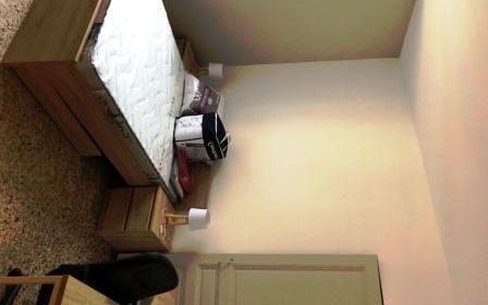 APPARTEMENT type 4 : chambre entierement meublée