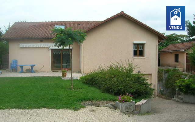 Immobilier sur Oyeu : Maison/villa de 7 pieces