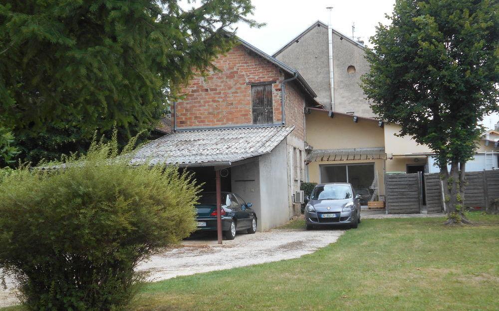 villa : villa