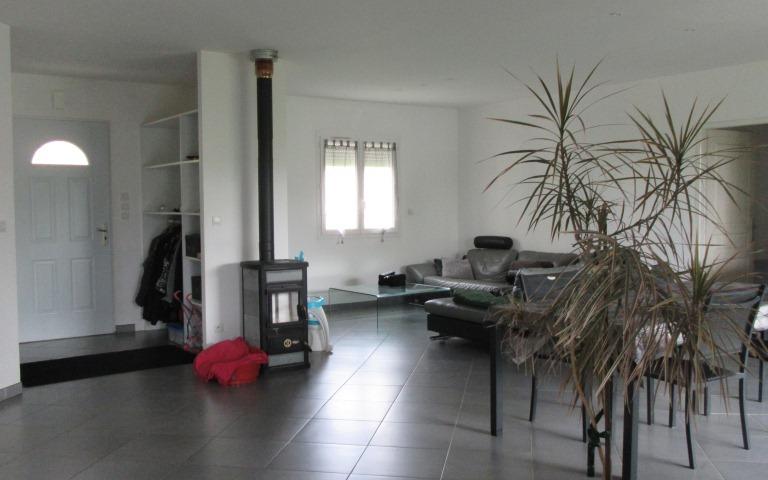 Villa : piece de vie environ 60 m²