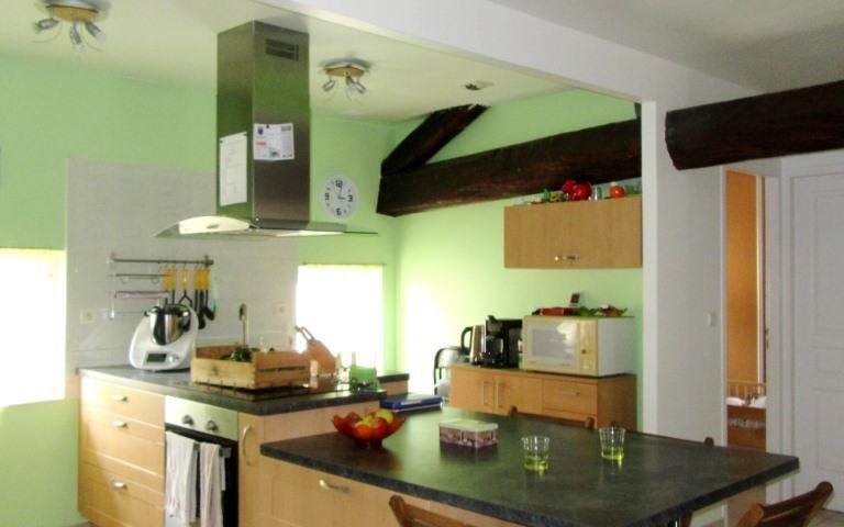 APPARTEMENT : cuisine equipée ouverte sur sejour