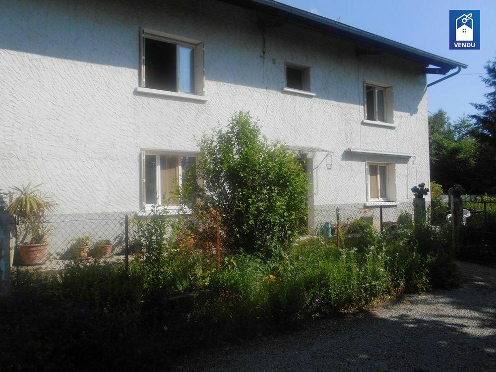 maison ancienne avec dependance vente maison villa biol. Black Bedroom Furniture Sets. Home Design Ideas