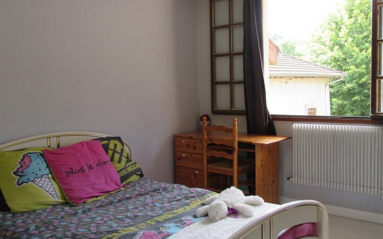 maison de village : chambre 2eme étage