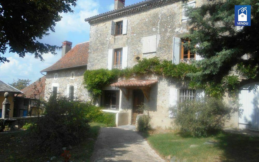 Immobilier sur Montrevel : Maison/villa de 9 pieces