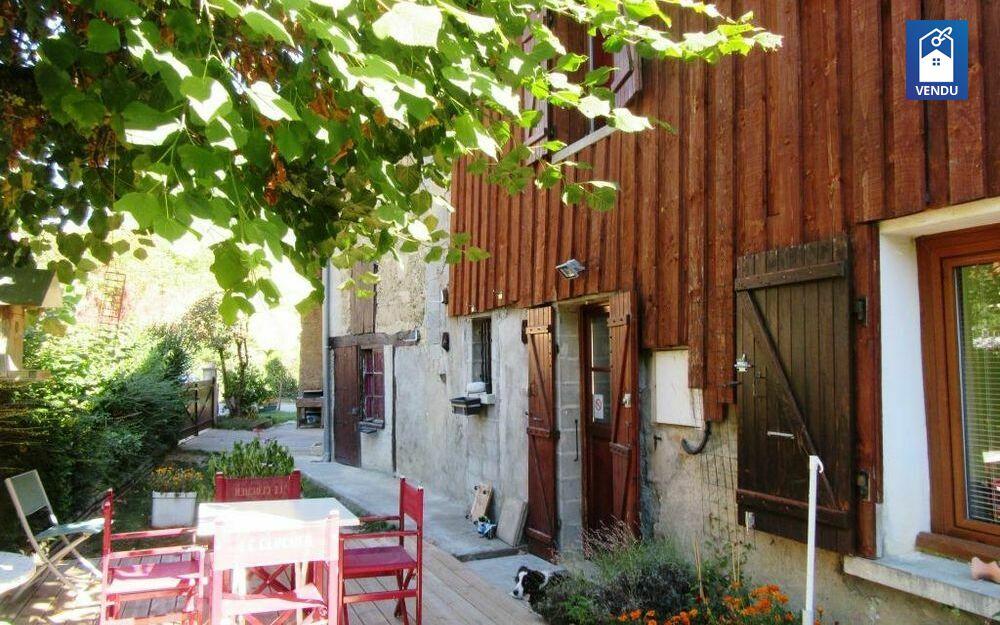 Immobilier sur Burcin : Maison/villa de 4 pieces