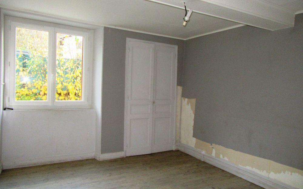 Maison ancienne avec dependance : salon