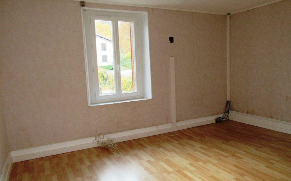 Maison ancienne avec dependance : chambre