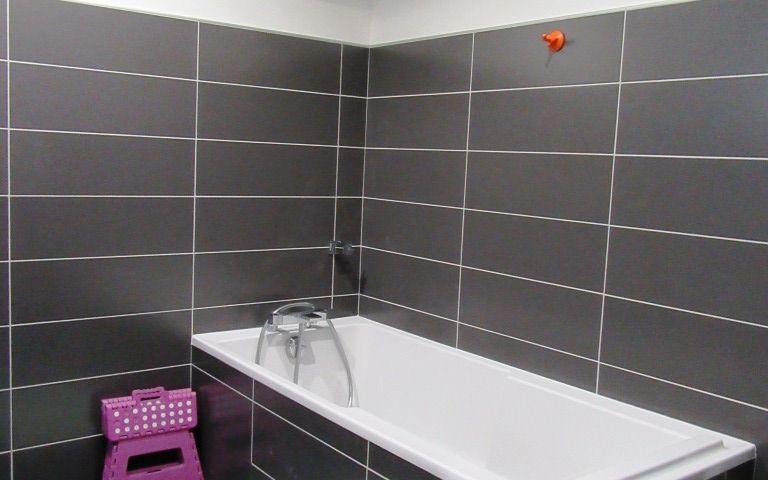 Villa Contemporaine neuve : salle de bain
