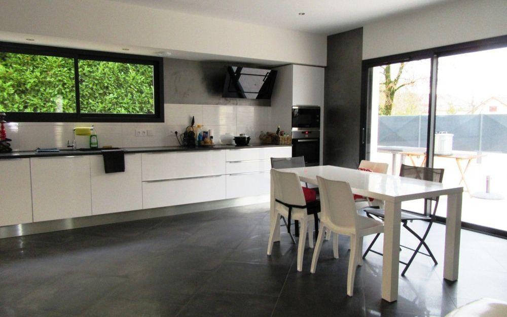 Villa Contemporaine neuve : cuisine