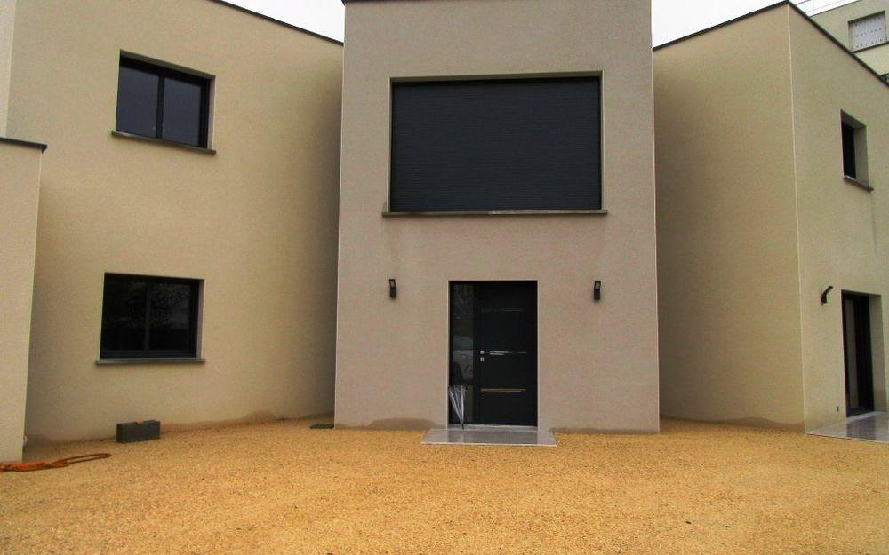 Villa Contemporaine neuve : exterieur