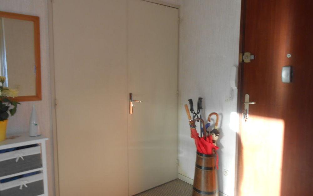 Appart. T4 1er Etage : Hall d'entrée