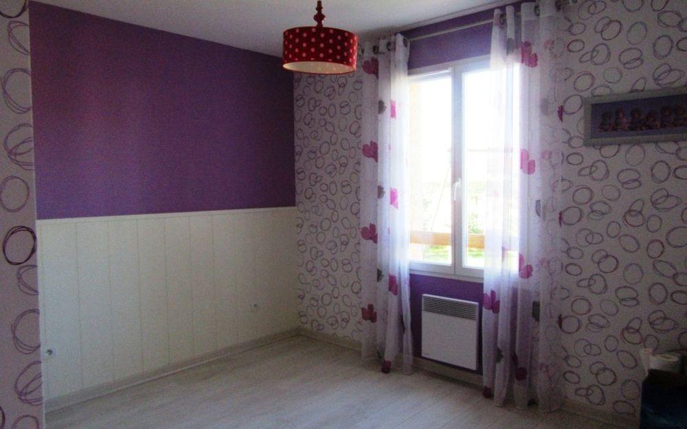 villa  de plain pied : une chambre