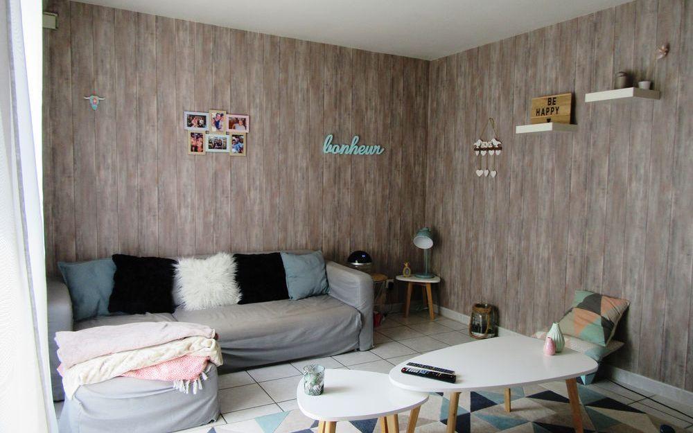 APPARTEMENT : une chambre transformée en salon