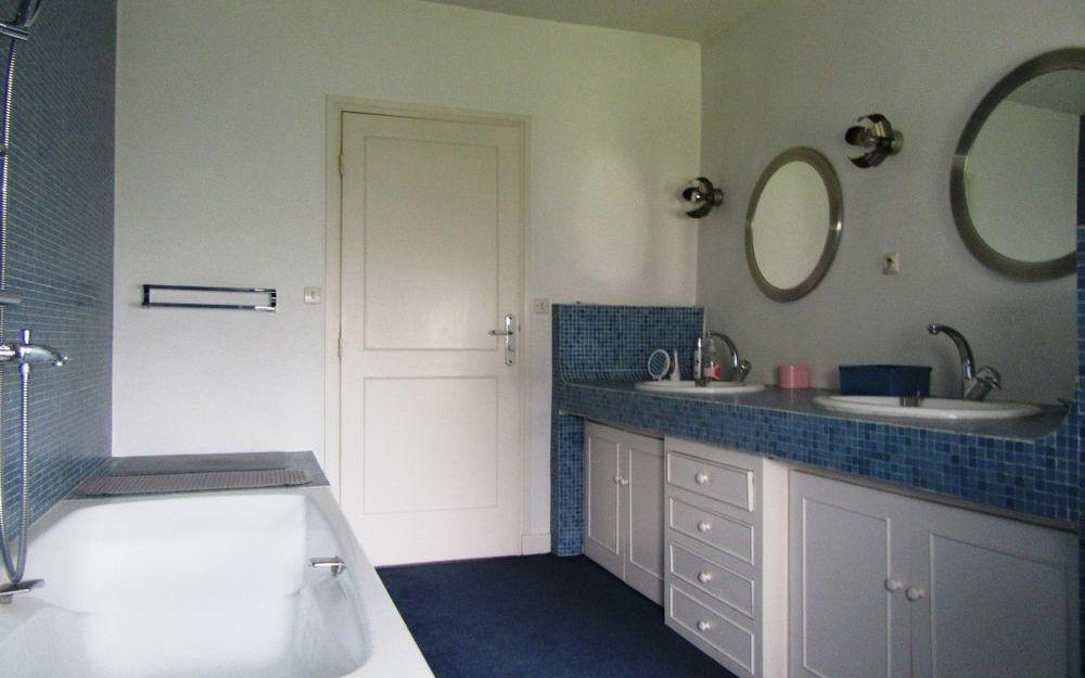 Maison bourgeoise : salle de bains de la suite parentale