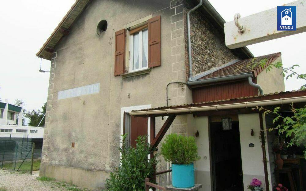 Immobilier sur Rives : Maison/villa de 12 pieces