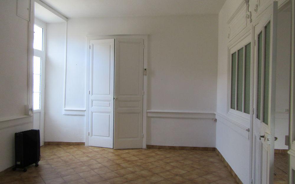 Maison Ancienne : piece de vie tres lumineuse