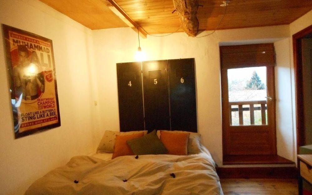Maison de village : chambre