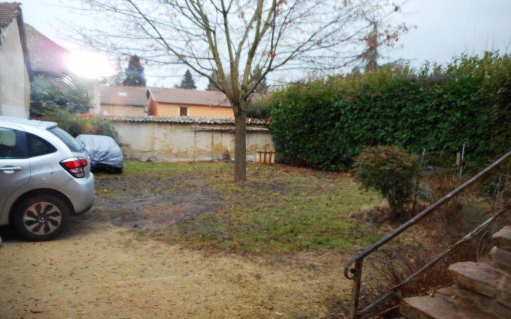 Maison de village : extérieur