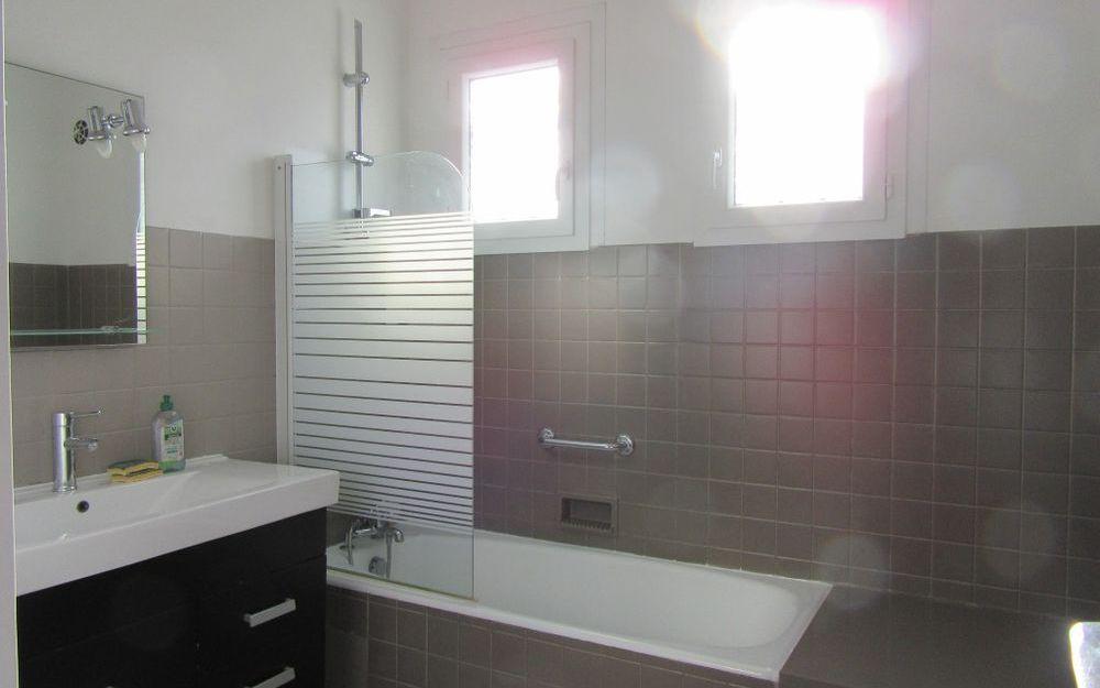 VILLA : salle de bains