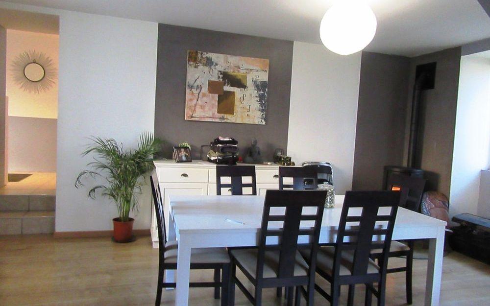 Maison de village VENDU : Séjour salon d'environ 29 m²