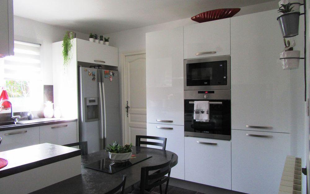 VILLA : cuisinee equipée