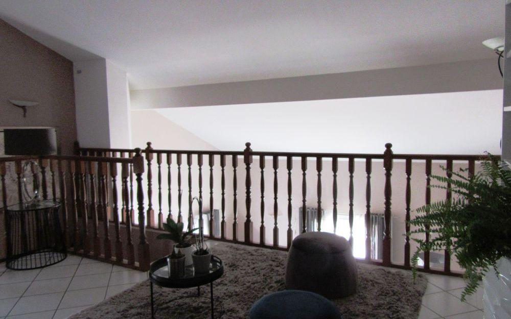 VILLA : spacieuse mezzanine