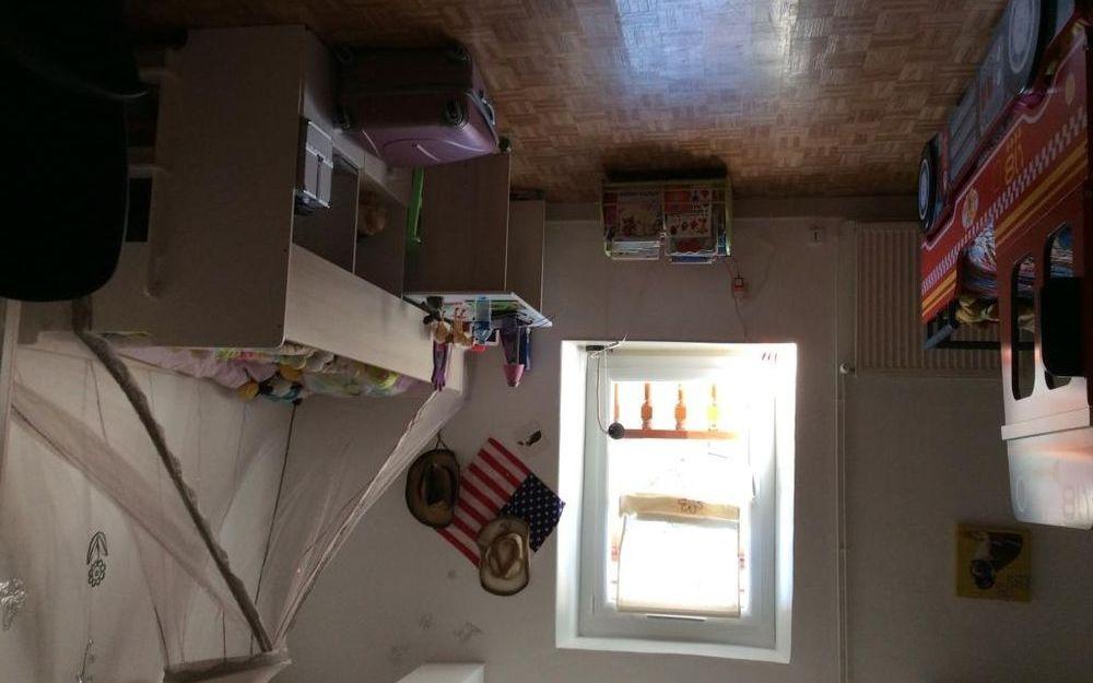 Appartement 2èEtage + Garage : Chambre