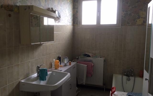 VILLA PROCHE CENTRE VILLE : Salle de bains