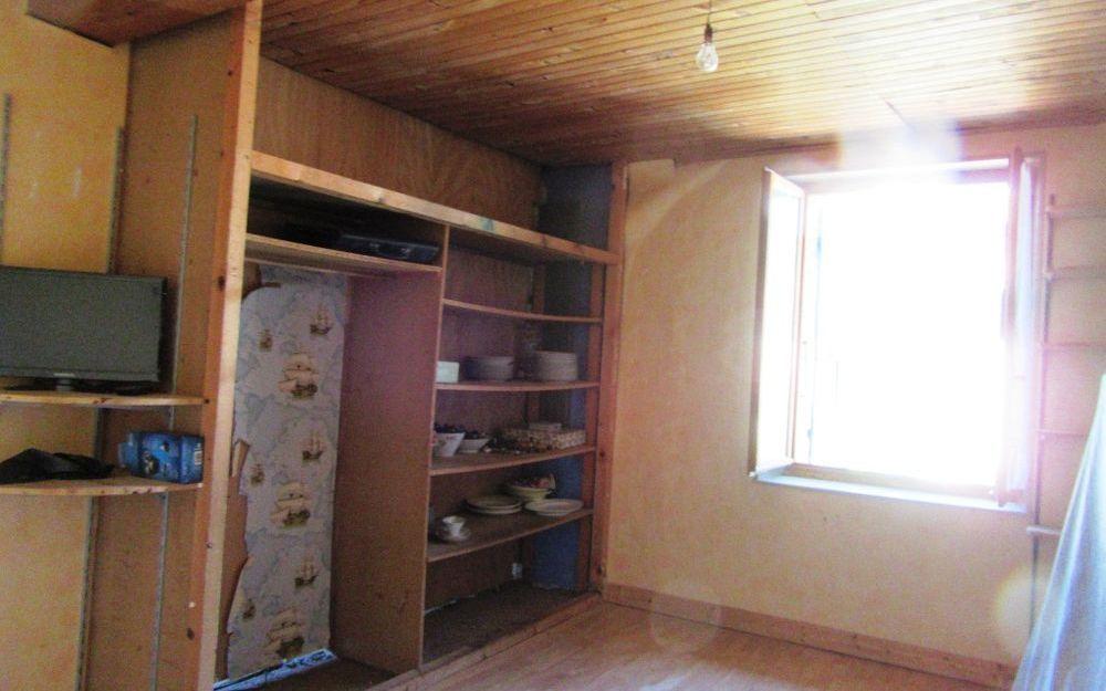 maison ancienne : chambre etage