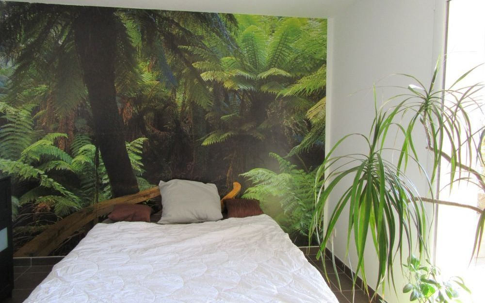 APPARTEMENT DE TYPE 2 : chambre avec porte fenetre sur terrasse surface 10.90 m²