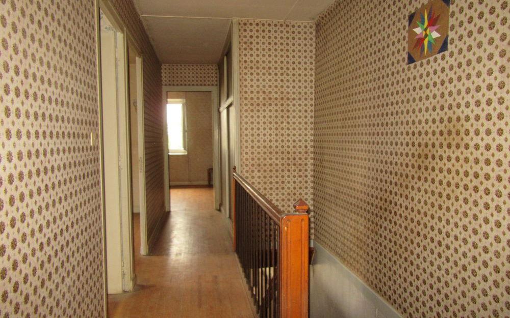CORPS DE FERME : couloir